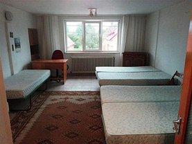 Casa de închiriat 6 camere, în Codlea, zona Central