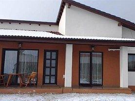 Casa de închiriat 3 camere, în Sanpetru, zona Central