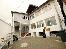 Casa de vânzare 7 camere, în Săcele, zona Turcheş