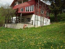 Casa de vânzare 8 camere, în Dambovicioara