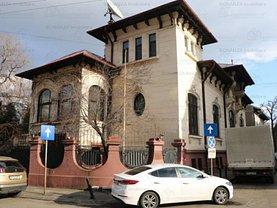 Casa de închiriat 16 camere, în Bucuresti, zona Universitate