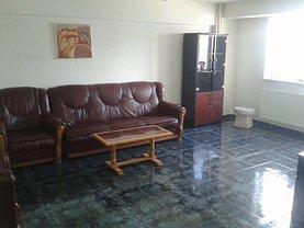 Apartament de închiriat 3 camere, în Pitesti, zona Ultracentral