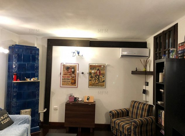 Acum o casa micuta si foarte draguta,88mp/nivel,dar cu potential - imaginea 1