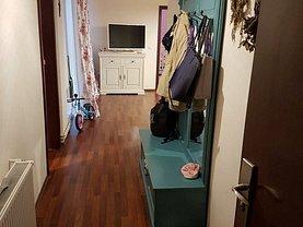 Apartament de vânzare 4 camere, în Timisoara, zona Olimpia-Stadion