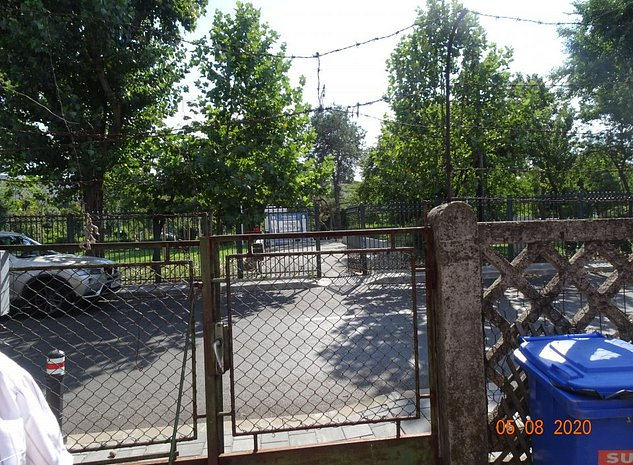 Teren fata in fata cu intrarea in parc Motodrom, la intersectie de strazi - imaginea 1