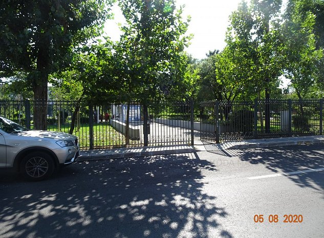 Teren vizavi de intrarea in parc Motodrom, dubla deschidere - imaginea 1