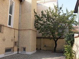 Casa de închiriat 7 camere, în Bucuresti, zona Primaverii