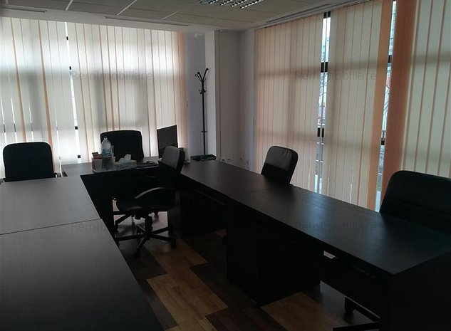 Imobil birouri Piata Victoriei - imaginea 1