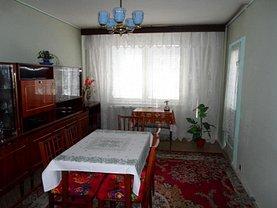 Apartament de vânzare 3 camere, în Bucureşti, zona Crângaşi