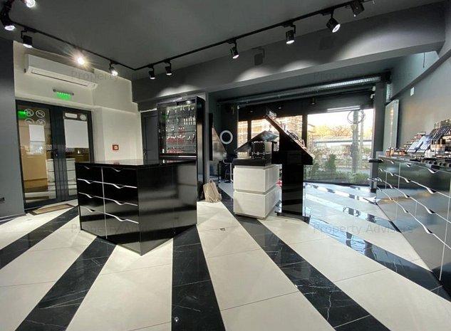 Spatiu comercial amenajat Central cu vad stradal - imaginea 1