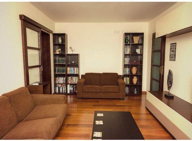 OT430 Apartament 3 Camere, Etaj Intermediar, Circumvalatiunii - imaginea 1