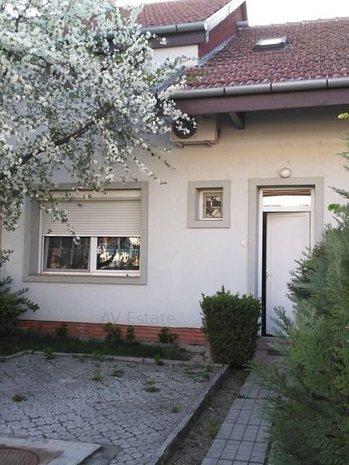 OP962 Zona Lunei, Casa 3 Camere, Garaj - imaginea 1