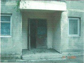 Apartament de vânzare 2 camere, în Corabia, zona Sud