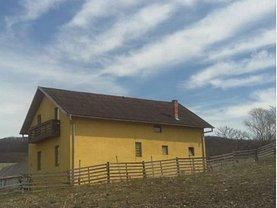 Casa de vânzare 4 camere, în Teaca