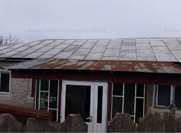 Casa si teren in Dragasani - - imaginea 1