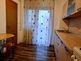 Apartament de închiriat 2 camere, în Târgovişte, zona Cetate