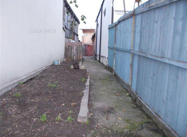 Vanzare casa semicentral in Targoviste Calea Domneasca - imaginea 1