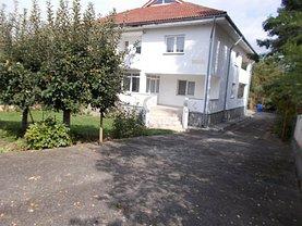 Casa de vânzare 5 camere, în Moreni, zona Central