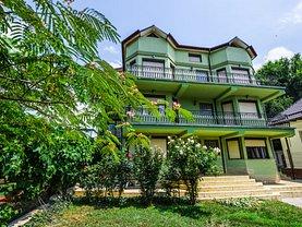 Casa de vânzare 15 camere, în Eforie Sud, zona Central