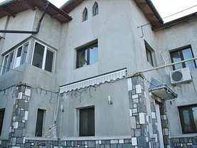 Casa de închiriat 10 camere, în Ploiesti, zona Republicii