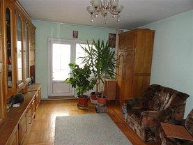 Apartament de vânzare 3 camere, în Bacău, zona Mioriţei