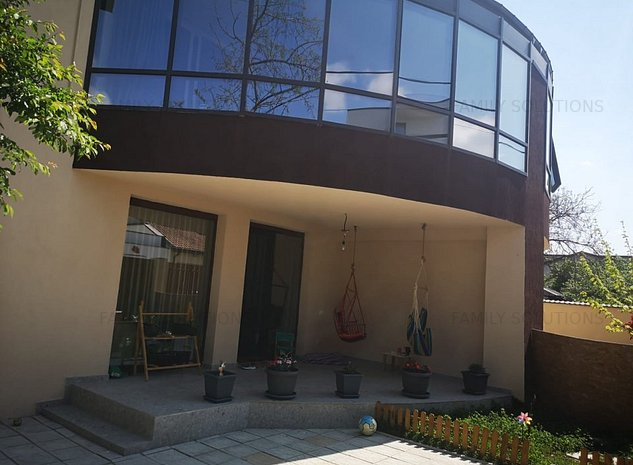 Casa Aparatori Patriei P+1+Pod. 4 cam.Util 156mp.Teren 310mp - imaginea 1