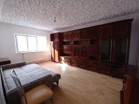 Apartament de închiriat 3 camere, în Marghita, zona Central