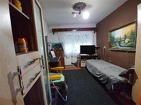 Casa de vânzare 2 camere, în Marghita, zona Central