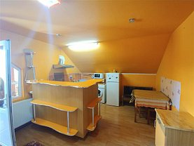 Casa de închiriat 3 camere, în Marghita, zona Central