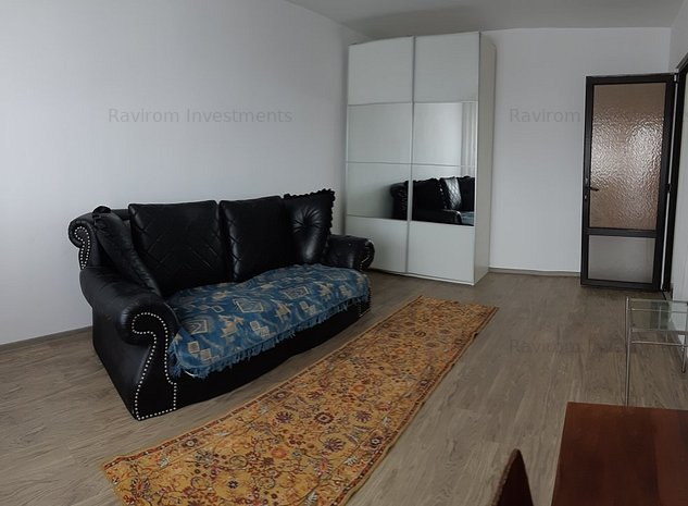 Piata Sud, apartament cu 2 camere decomandate, stradal, etajul 6. - imaginea 1