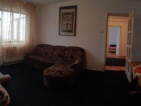 Apartament de închiriat 3 camere, în Bacau, zona Cornisa