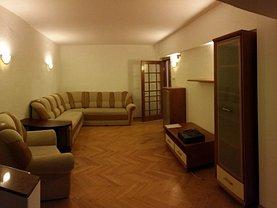 Apartament de vânzare sau de închiriat 4 camere, în Bacau, zona Alexandru cel Bun