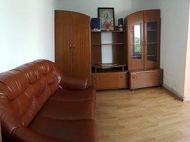 Apartament de închiriat 3 camere, în Bacău, zona Narcisa