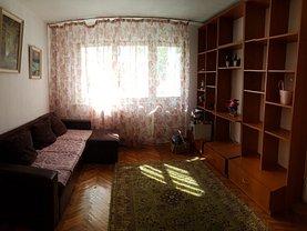 Apartament de închiriat 2 camere, în Bacau, zona Cornisa