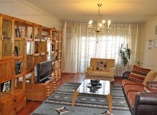 Apartament 4 camere Bulevardul Decebal Stradal ! - imaginea 1