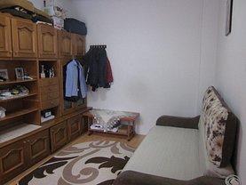 Casa de vânzare 2 camere, în Bucureşti, zona Parcul Carol