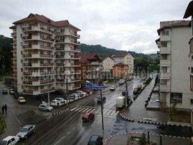 Apartament de vânzare 3 camere, în Fieni, zona Central