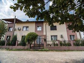 Penthouse de vânzare sau de închiriat 3 camere, în Piteşti, zona Trivale