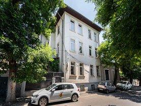 Casa de vânzare sau de închiriat 15 camere, în Bucureşti, zona Ştefan cel Mare