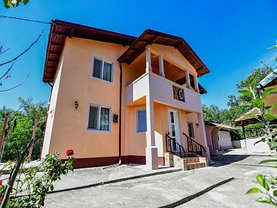 Casa de vânzare 8 camere, în Drăghici
