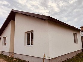Casa de vânzare 3 camere, în Smeura