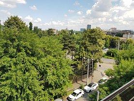 Apartament de vânzare 3 camere, în Bucureşti, zona Dămăroaia