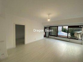 Apartament de vânzare 3 camere, în Bucureşti, zona Eminescu