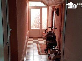 Casa de vânzare 8 camere, în Galaţi, zona Micro 14