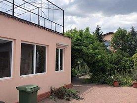 Casa de vânzare 10 camere, în Constanţa, zona Km 5
