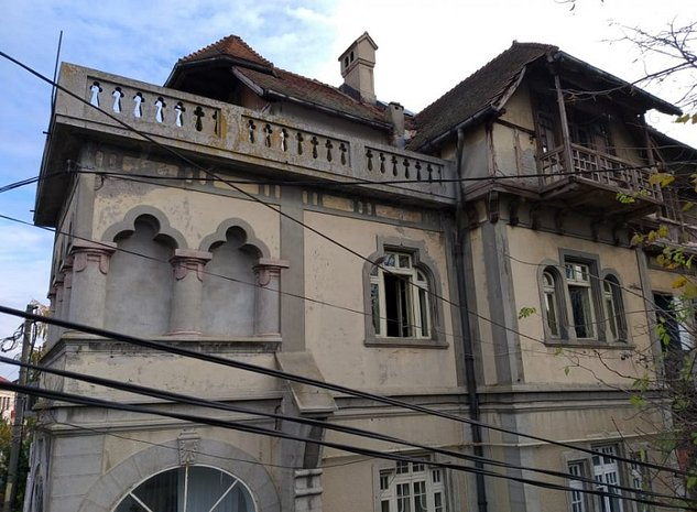 Vila Antebelica incarcata de istorie situata la 600 m de Catedrala Ortodoxa - imaginea 1