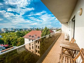 Apartament de vânzare 3 camere, în Bucureşti, zona P-ţa Victoriei