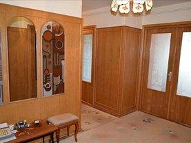 Apartament de vânzare 4 camere, în Targu Mures, zona Central