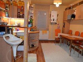 Apartament de vânzare 3 camere, în Sângeorgiu de Mureş, zona Central
