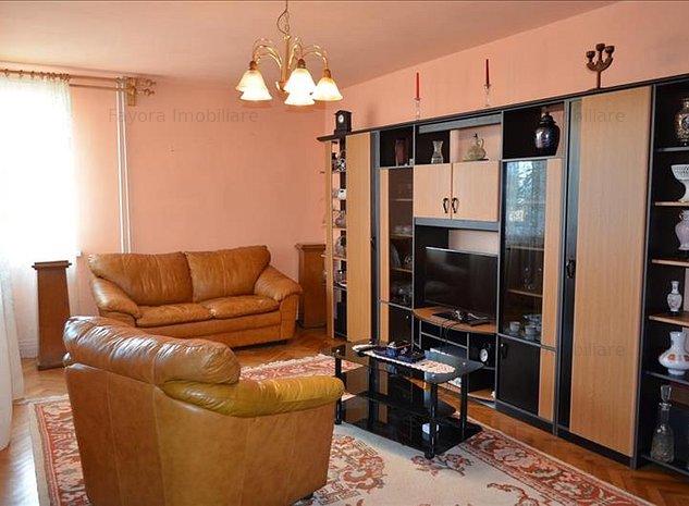 Apartament cu 4 Camere de Inchiriat in Zona Centrala - imaginea 1